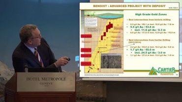 Philippe Cloutier expliquant Benoist à une conférence sur l'investissement à Genève, en Suisse (en Anglais)